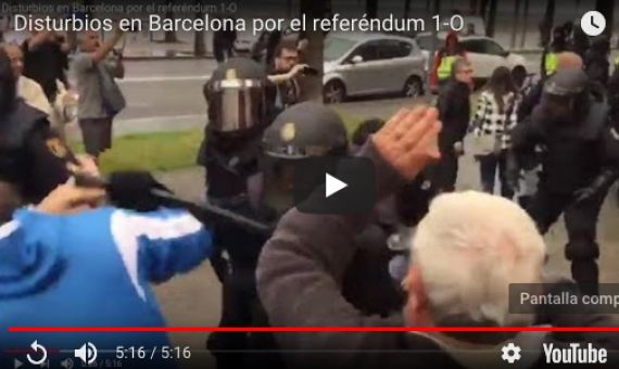 Video: Violencia y disturbios en Barcelona por referéndum para independizar Cataluña
